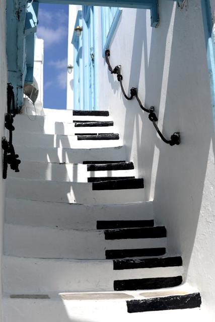 piano keyboard stairway